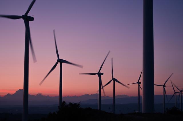 windmills-984137 640